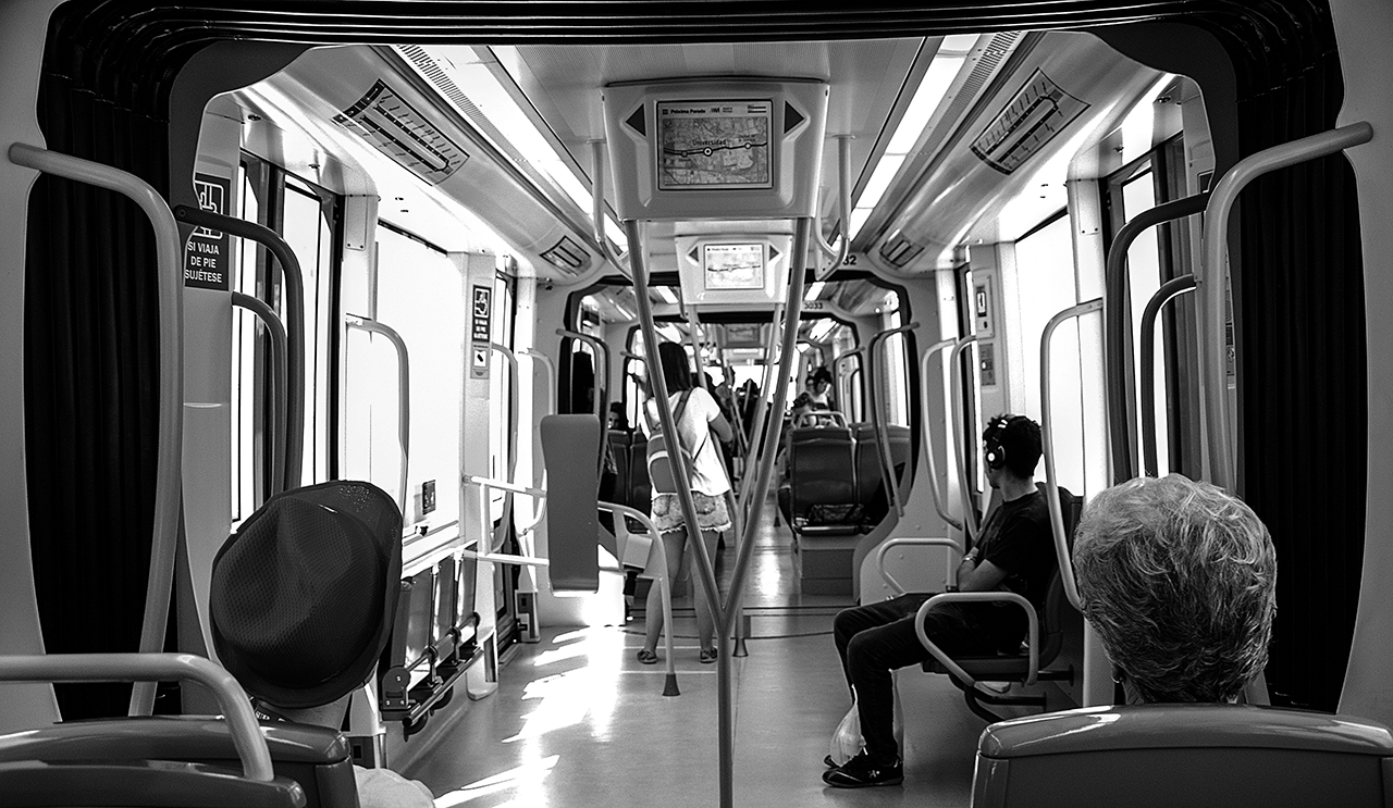 Metro de Málaga b/n